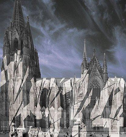 Der Kölner Dom wird zum Leuchtturm des Friedens